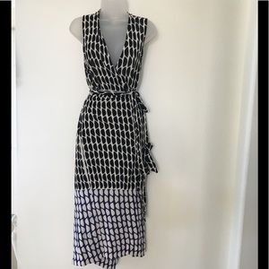 Diane Von Furstenberg Black/White Wrap Dress